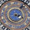 El espléndido reloj astronómico del siglo XVI en la Corte del Reloj