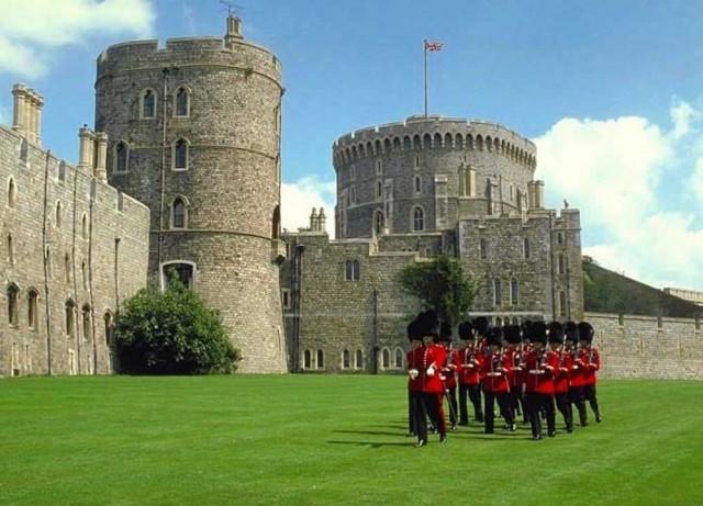 Excursión en español: Castillo de Windsor, Stonehenge y Oxford desde Londres